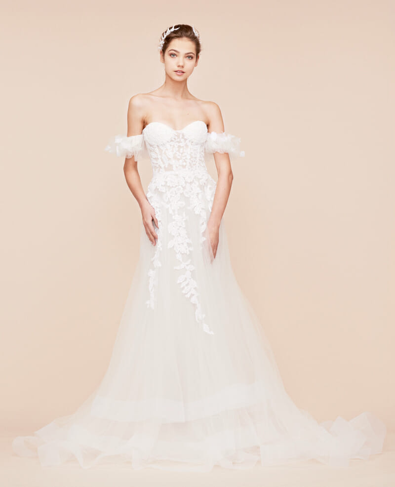Georges Hobeika, Georges Hobeika Bridal, Georges Hobeika Bridal Fall Winter 2018, Georges Hobeika Bride, Perfect Weddin Magazine, Perfect Wedding Blog, Bride, Wedding Gowns, Wedding Dresses, Wedding Dresses Fall 2018, Bride to Be