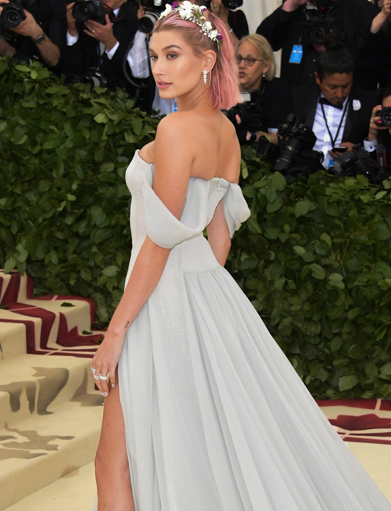 Hailey Baldwin, Met Heavenly Bodies, Met Gala, Tiffany & Co. Tiffany Paper Flowers collection, Perfect Wedding Magazine, Perfect Wedding Blog,