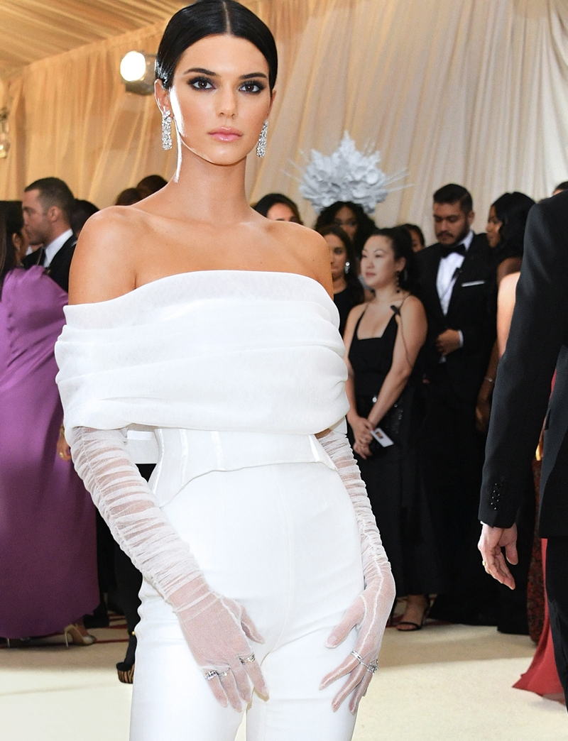 Kendall Jenner, Met Heavenly Bodies, Met Gala, Tiffany & Co. Tiffany Paper Flowers collection, Perfect Wedding Magazine, Perfect Wedding Blog,