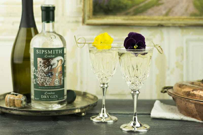 Sipsmith Royal Cocktail, Royal Wedding Drinks, Royal Wedding, Meghan Markle and Prince Harry Wedding, Sipsmith London Dry Gin, Gin Cocktails, Wedding Cocktails, Sipsmith, Perfect Wedding Magazine, Perfect Wedding Blog