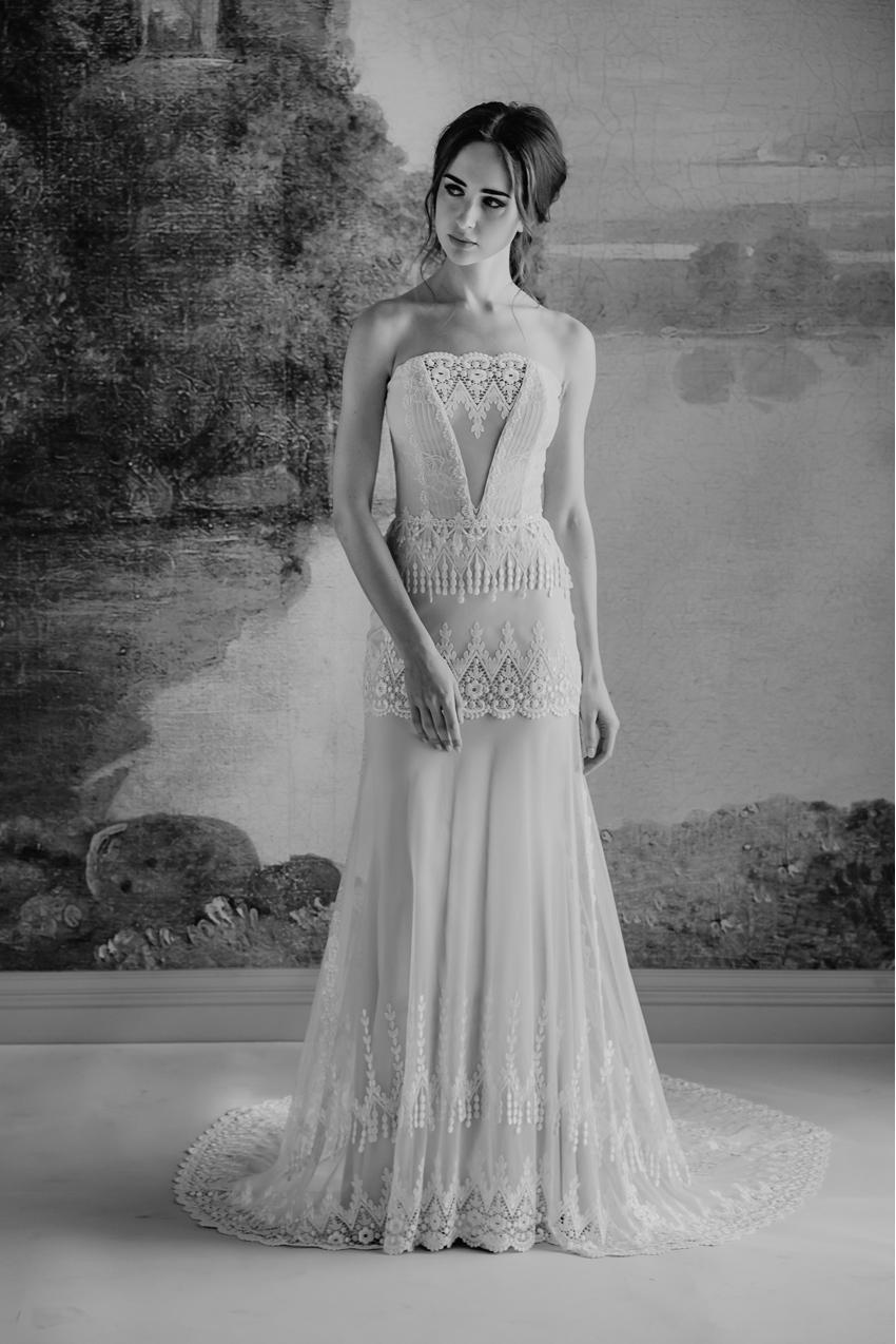 Claire Pettibone, Timeless Bride, Page Beauty, Kelle Sauer Photography, Boho bride, Lace, Wedding Dresses, Perfect Wedding Magazine, Perfect Wedding Blog, Wedding Magazine, Wedding Blog, Bridal Trends 2019
