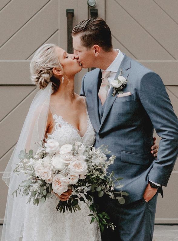Surmesur the kiss custom suit Perfect Wedding Magazine