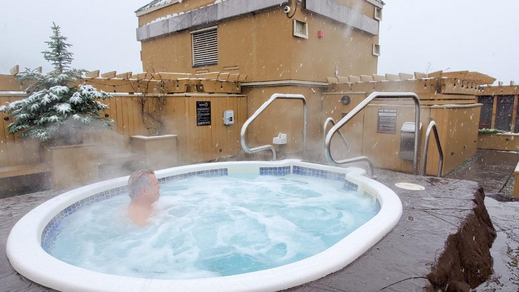 Sundial Whistler rooftop Hot tub