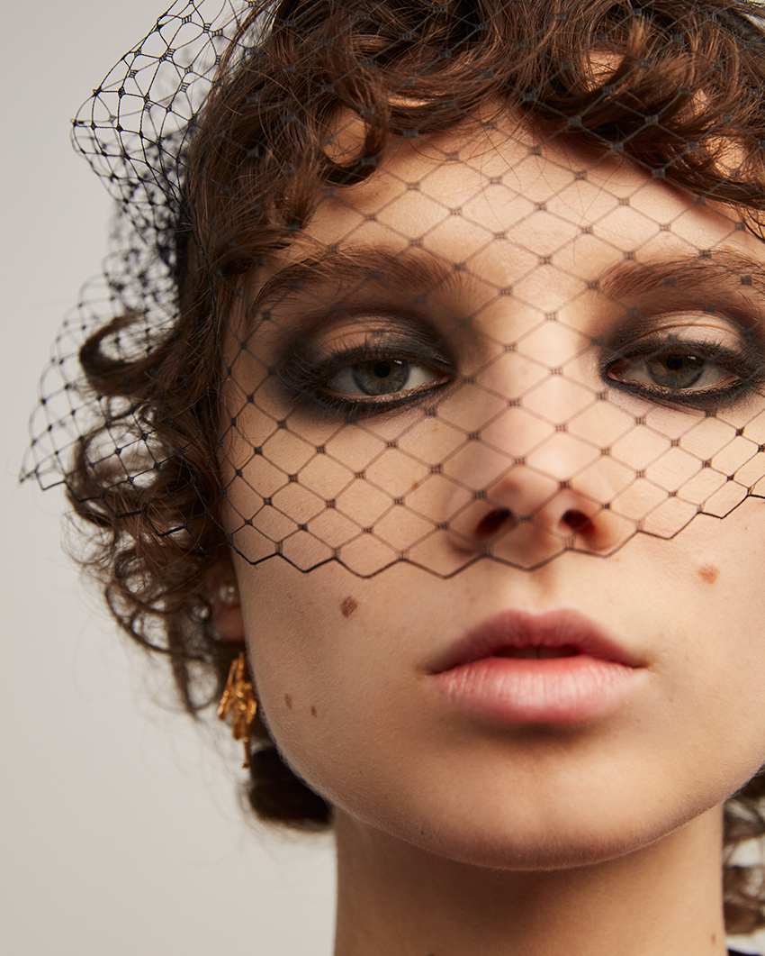 Peter Philips creates with Dior Make-up an intense smoky eye look for Dior RTW AW 2021 show presented at Château de Versailles