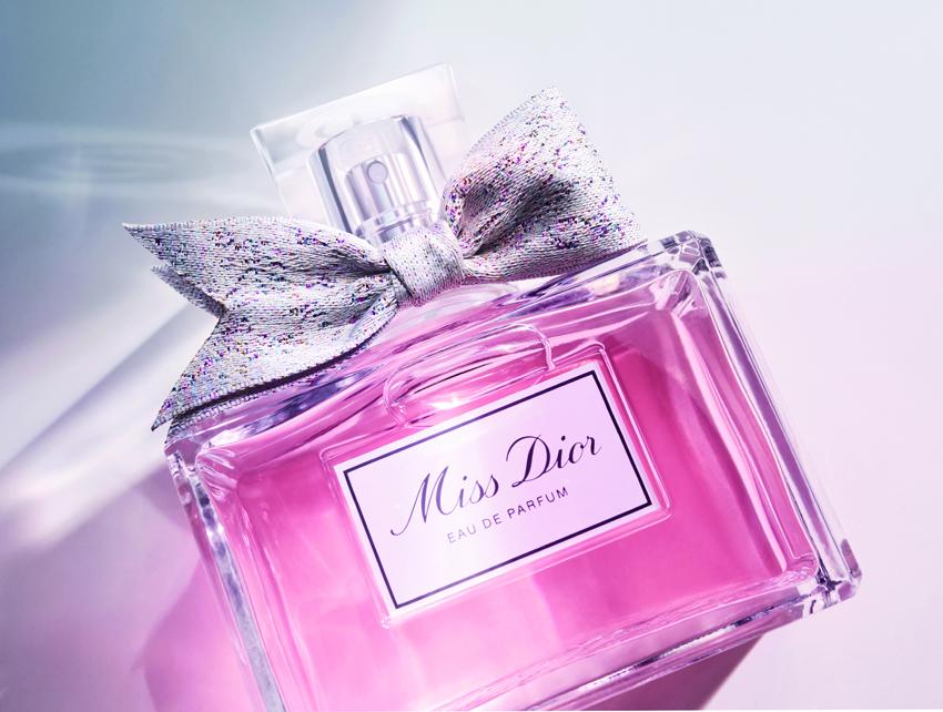 The new Miss Dior Eau de Parfum adorn by a couture ribbon