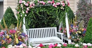 Miss Dior Pop-Up in Paris floral décor