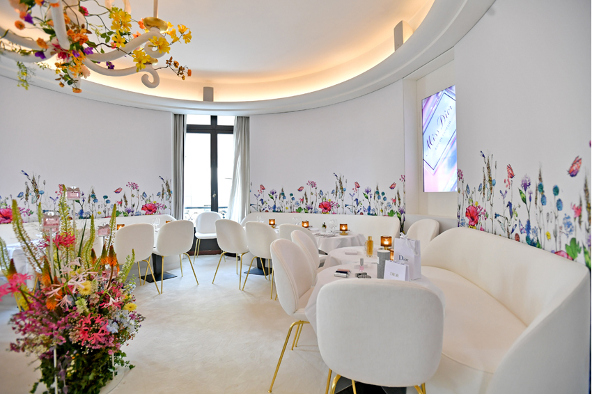 Miss Dior Pop-Up floral decor includes floral wall paper